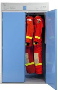 Trockenschränke trocknen Schutzanzüge schonend und effizient, ideal für Feuerwehren.