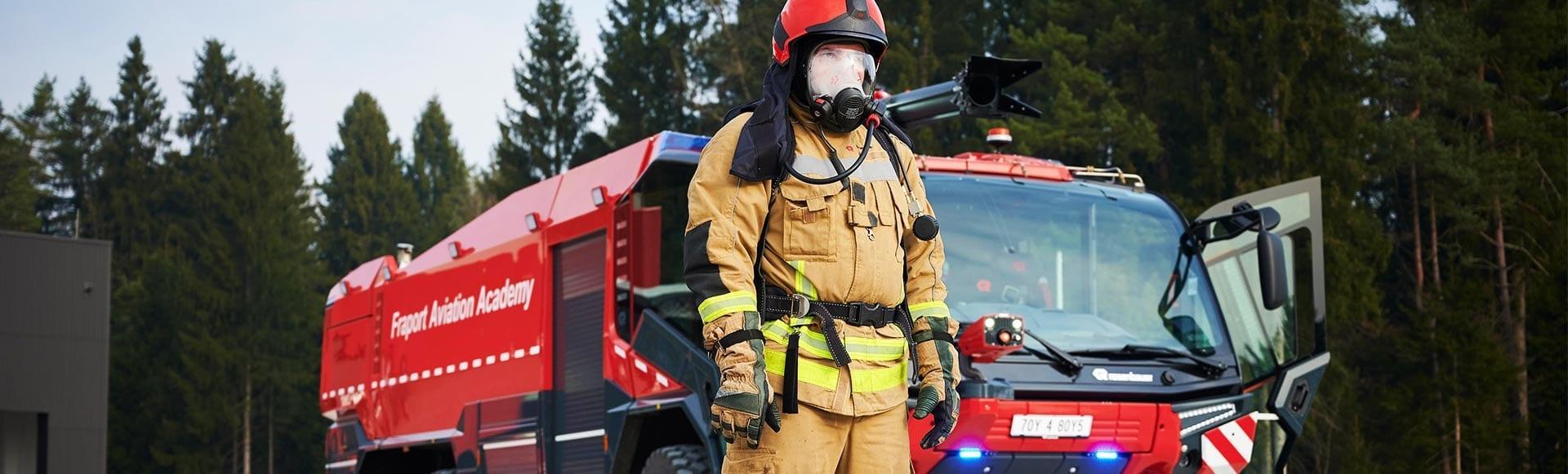 Die Schutzkleidung der Einsatzkräfte der Feuerwehr muss nach jedem Einsatz fachgerecht gereinigt werden.