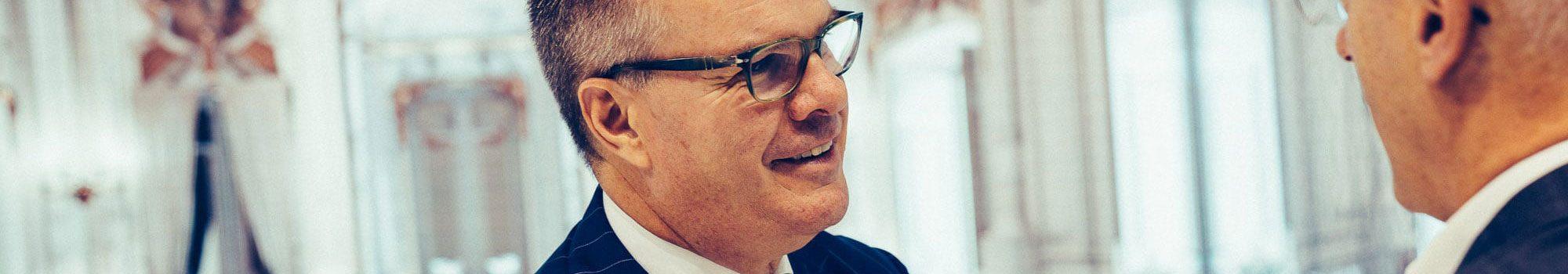 CEO-2000