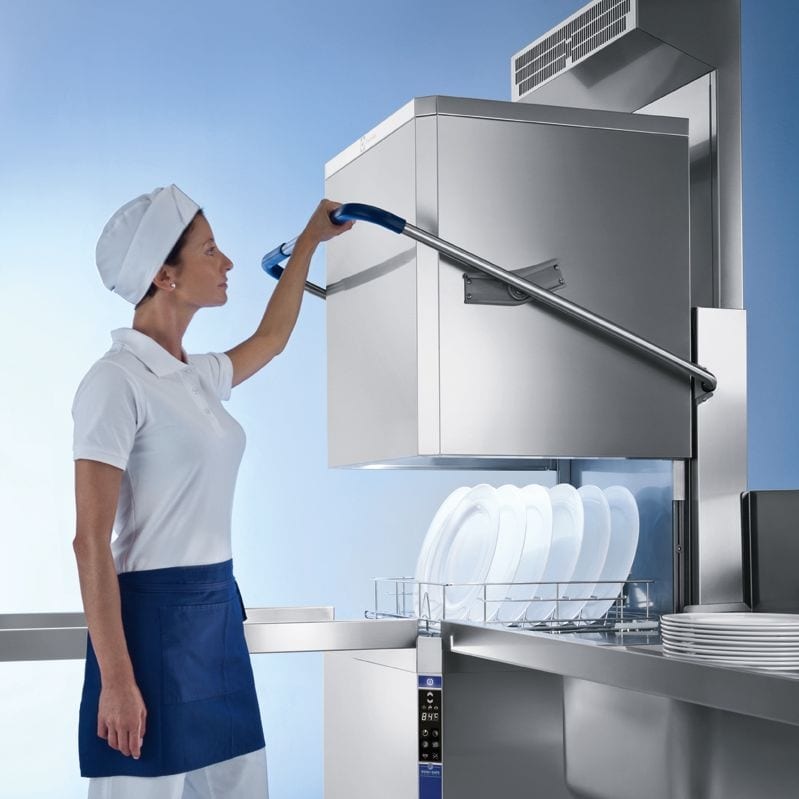 commercial dishwashing