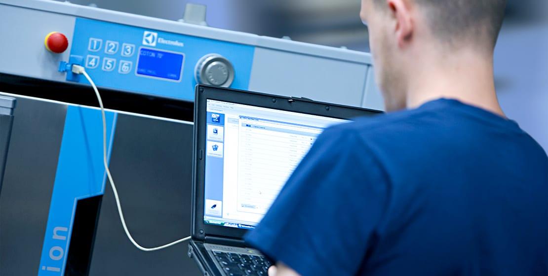 Tekniker styresystem og software