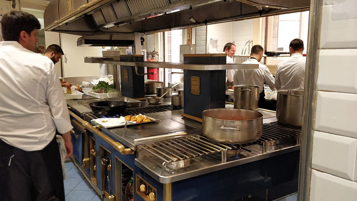 Escuela de hostelería Hofmann - cocina Molteni