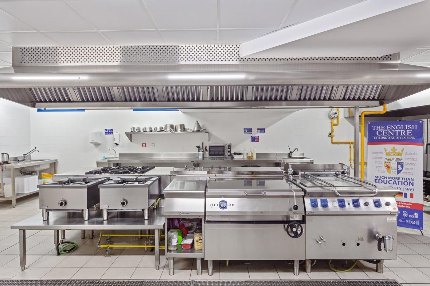 Colegio el Centro Inglés - cocina equipada con Electrolux