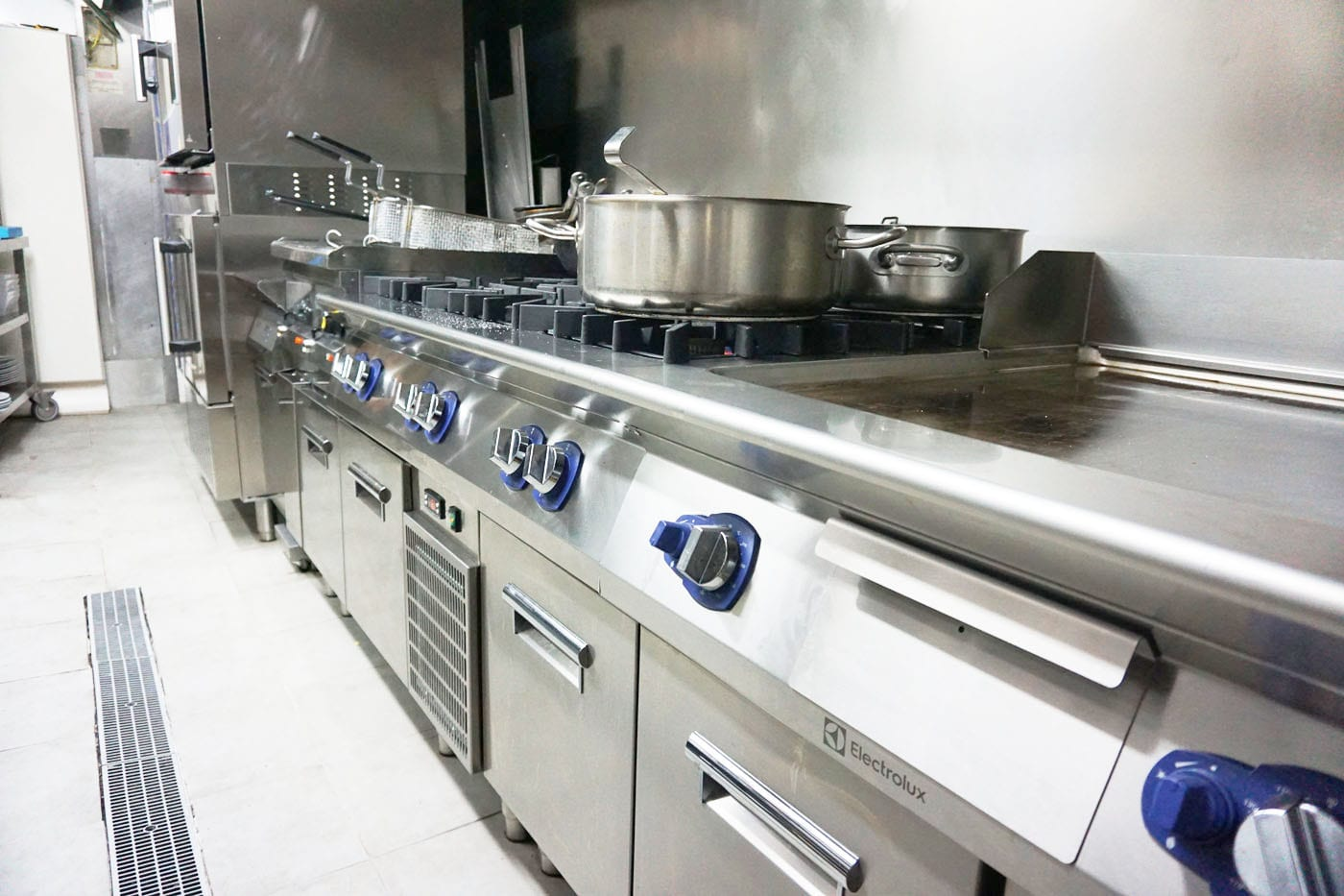 La Txitxarreria, cocina equipada con Electrolux Professional