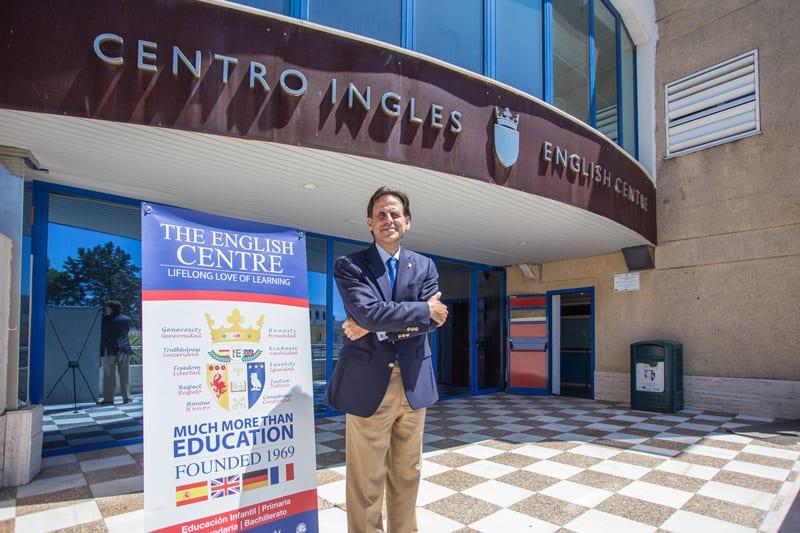 El Centro Inglés, Mr. David J. Randell