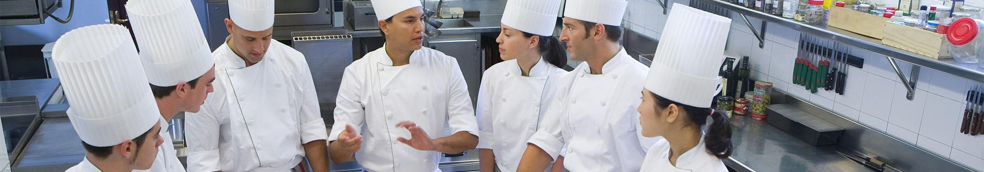 Hints for a better restaurant kitchen staff structure - Electrolux ...